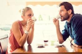 كيف يتصرف الشباب عندما يحب فتاة؟