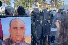 تمديد اعتقال 4 نشطاء على خلفية الاحتجاجات ضد قتل نزار بنات