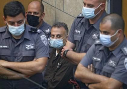 الأسير يعقوب قادري يواجه العزل الانفرادي في ظروف اعتقالية كارثية