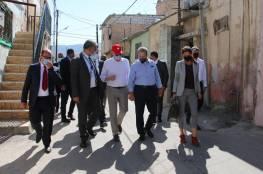 وزير الخارجية الكندي يطلع على أوضاع اللاجئين الفلسطينيين في مخيم جرش