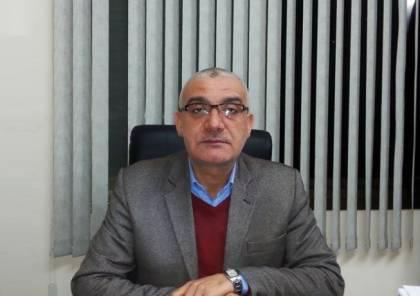 خبير اقتصادي يحذر من تداعيات خصم رواتب موظفي السلطة الفلسطينية في غزة