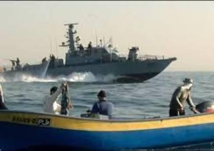 مركز الإنسان يدين اعتداء بحرية الاحتلال على الصيادين والمضايقات المستمرة عليهم