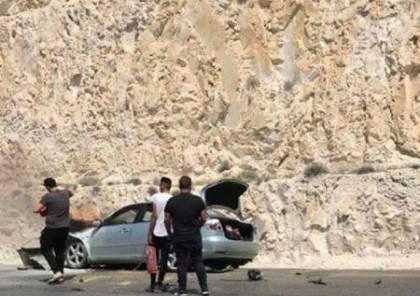 اصابة سيدة بعد اندلاع النيران بسيارتها في طريق وادي النار