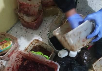 الضابطة الجمركية تضبط معملاً لتصنيع المعسل غير القانوني في رام الله