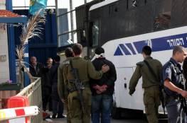 6 أسرى يدخلون أعواماً جديدة في سجون الاحتلال وأحكام وتمديدات