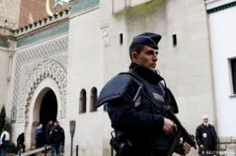 فرنسا تحظر الذبح الحلال ومساجد المسلمين ترد على ماكرون