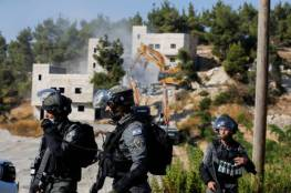 اعلام اسرائيلي: مجهولون يضرمون النار في حافلة ركاب بالرملة