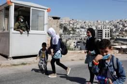 هآرتس: هكذا تسرق إسرائيل أعمار الفلسطينيين على حواجز الضفة… يومياً