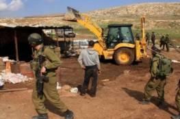 الاحتلال يخطر بهدم 4 مساكن شرق يطا