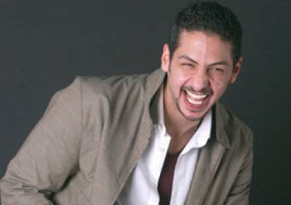 والد المذيع عمرو سمير يكشف سبب تأخر نقل جثمان ابنه إلى القاهرة