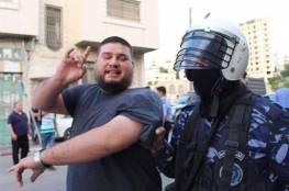 صور: حزب التحرير يعلن اليوم العيد لوحده والامن يعتقل عددا لمجاهرتهم بالافطار