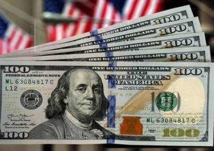 لماذا يرتفع الدولار الأمريكي بقوة الآن؟