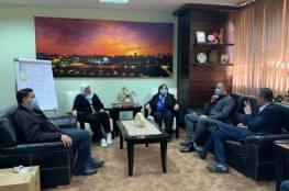 غنام تسلم وزيرة الصحة 500 مسحة لفحص فيروس كورونا