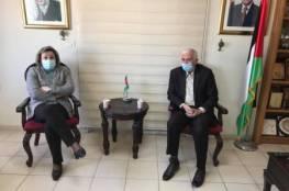 محافظ بيت لحم يشدد على متابعة الإجراءات الوقائية ضد كورونا بالمدارس