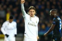 لوكا مودريتش يجدد عقده مع ريال مدريد