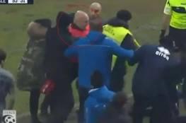 فيديو.. إيقاف مدرب إيطالي نطح منافسه وطلب كسر أقدام اللاعبين