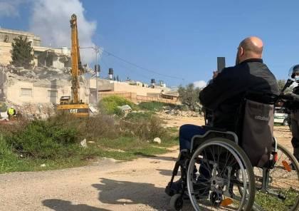 ألم ودموع.. الاحتلال يهدم منزل المقدسي حاتم أبوريالة في بلدة العيساوية (صور و فيديو)