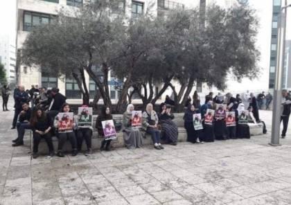 تمديد اعتقال الناشطة آية الخطيب حتى الأحد المقبل