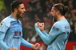 فيديو.. بيرنلي يصعق مانشستر يونايتد بثنائية في أولد ترافورد