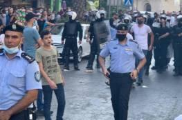 """الامن يفض مسيرة ضد """"سيداو"""" في رام الله"""