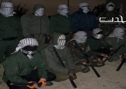 ملثمون يخرجون في قرية دير عمار ليلا لإجبار العمال على الحجر المنزلي