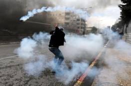 """الخليل: إصابة صحفي في الرأس والعشرات بالاختناق خلال مسيرة منددة بـ""""صفقة القرن"""""""