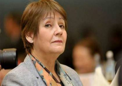 وزيرة التعليم في الجزائر تؤيد قرار منع الصلاة في المدارس!
