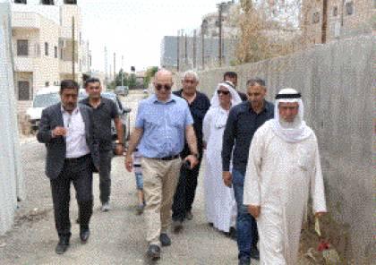 وزير شؤون القدس يتفقد بلدة صور باهر