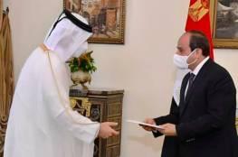 أمير قطر يدعو السيسي لزيارة الدوحة