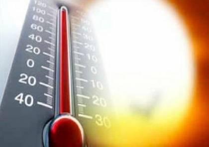 جو حار ودرجات الحرارة أعلى من المعدل بدرجتين
