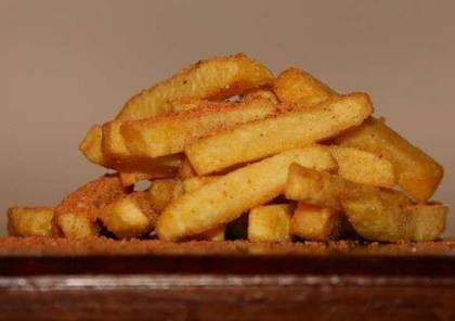 """اكتشاف مادة """"مسرطنة"""" في البطاطس المقلية"""