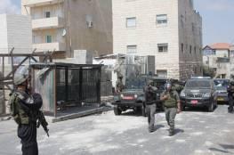 الاحتلال يعتقل شابا ويستدعي ناشطا للتحقيق من العيسوية