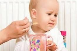 ما العمل عند رفض الطفل الطعام الصحي؟