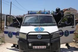 الشرطة في جنين تنشر التوعية بفيروس كورونا وفق دليل إجراءات الصحة والسلامة العامة