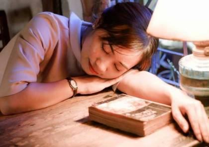 """8 أسباب تزيد الشعور بـ""""الخمول"""".. ابتعد عن القلق والكافيين"""
