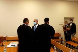 خلاف بين محامي نتنياهو والنيابة حول لوائح الاتهام