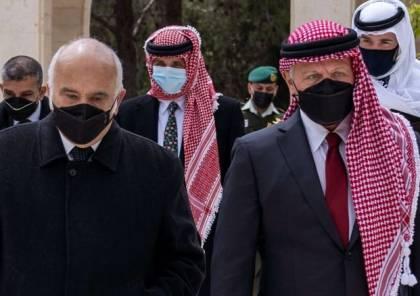 """من هو """"الشريف حسن بن زيد""""؟ غاضب وغامض ومحور تحقيقات """"المؤامرة"""""""