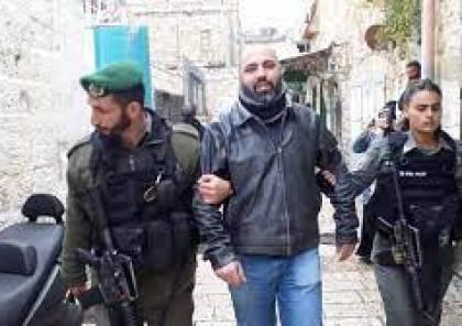 """الاحتلال يبعد عضو اقليم """"فتح"""" في القدس عاهد الرشق عن الأقصى"""