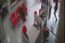 امرأة تنجو من الموت بأعجوبة وسط هجوم مسلح في البرازيل... فيديو