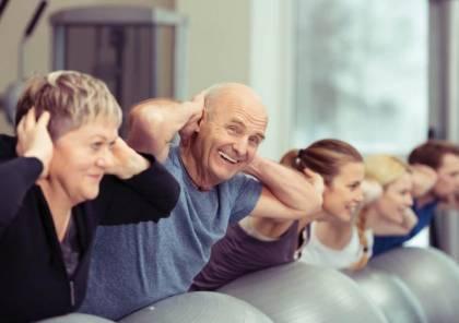 الخبراء ينصحون بالحفاظ على مرونة الجسم مع التقدم في العمر