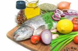 """دراسة بريطانية تحدد الأطعمة التي قد تحمي من الإصابة بـ""""كوفيد-19"""""""