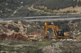 الاحتلال يجرف أراضي زراعية ويردم بئرا للمياه غرب بيت لحم