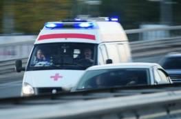 """شاهد .. عروس تُزف بـ""""سيارة إسعاف"""" وتدخل القاعة بسرير المرضى"""