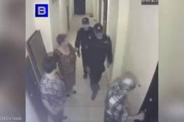 فيديو.. عجوز روسية شقية حتى الشرطة لم تقدر عليها!