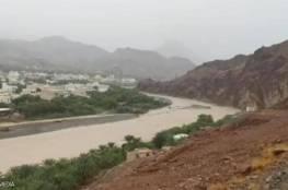 """""""إعصار شاهين"""": مصرع شخصين إثر انهيار جبل في عُمان"""