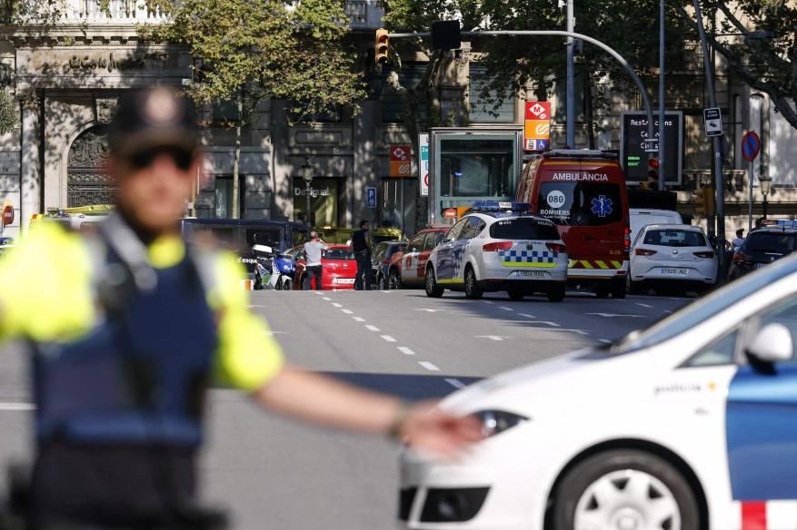 1078191-الشرطة-الإسبانية-تنتشر-فى-برشلونة