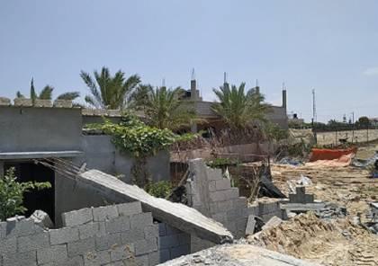سلطة الاراضي تهدم منزلا للمواطن بسام دوحان في خانيونس