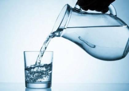 طبيب يشرح أهمية الإكثار من شرب الماء في الوقاية من فيروس كورونا!