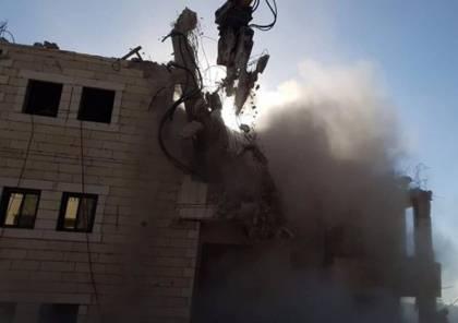 شاهد: احتفالات جنود الاحتلال خلال تنفيذ مجرزة تفجير المنازل في القدس المحتلة