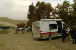 الاحتلال يخطر بإزالة مقر لعيادة صحية في الأغوار